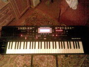 Продаю синтезатор Roland E300.